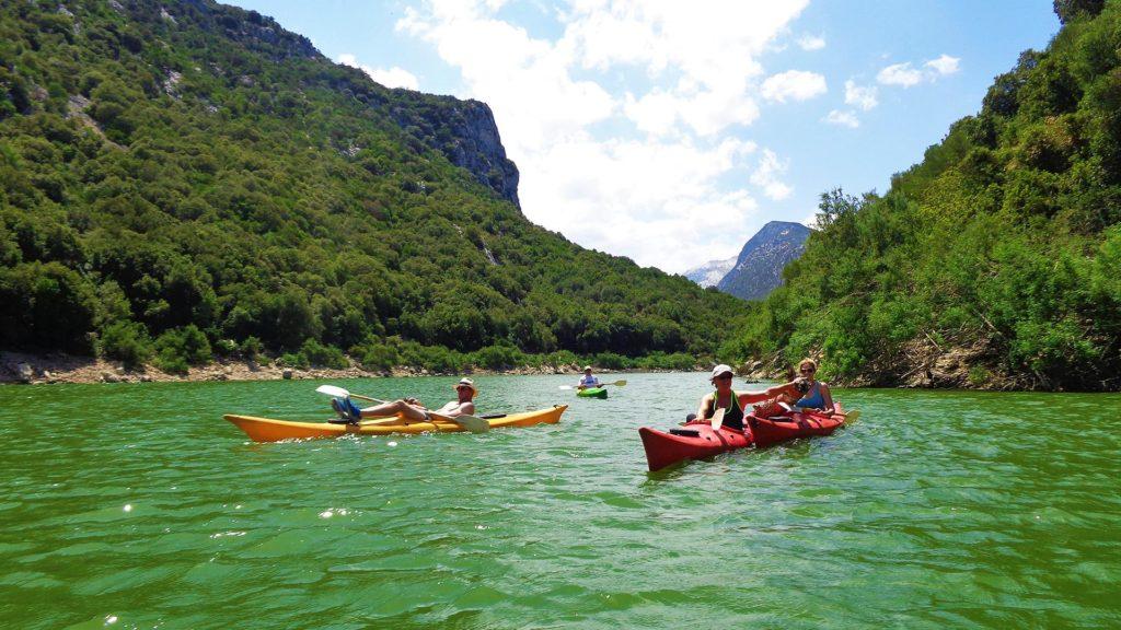 escursione in kayak cala gonone sardegna