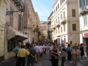 escursione bus Alghero Sardegna centro storico