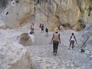escursione trekking su gorroppu