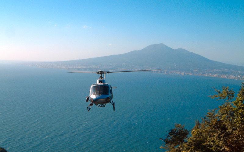 servizio con elicottero baya sardiniaa