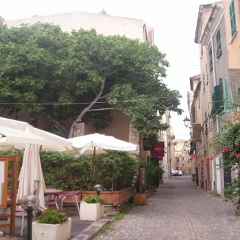 centro storico alghero sardegna