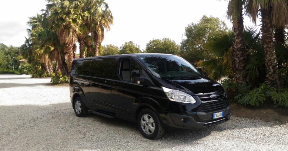 happy tour limousine service sardinia